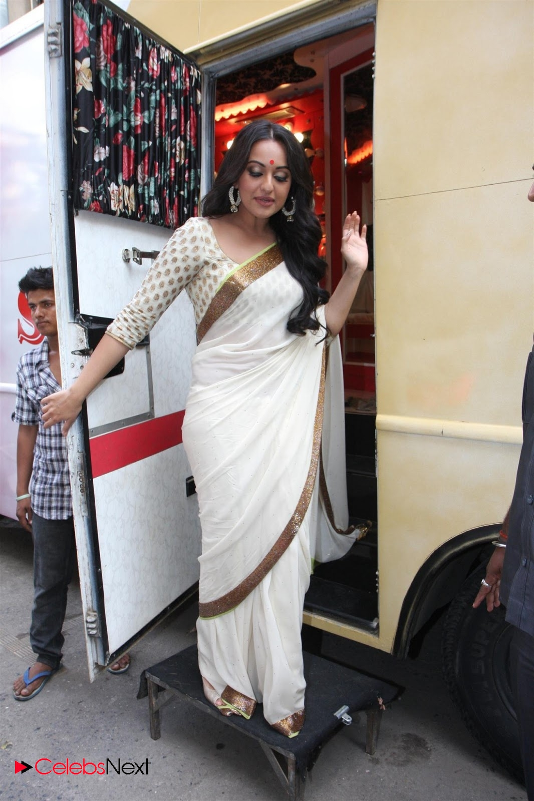 Sonakshi sinha hot - 2 part 4