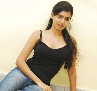 samantha spicy pic in hot black dress