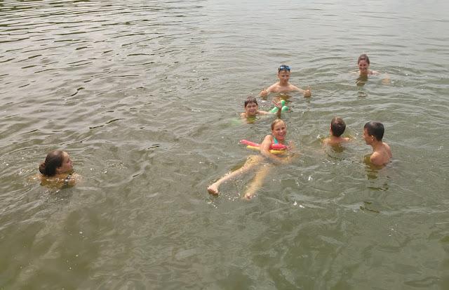 SKF BOKSING i chwila relaksu przed treningiem - kąpiel w jeziorze.