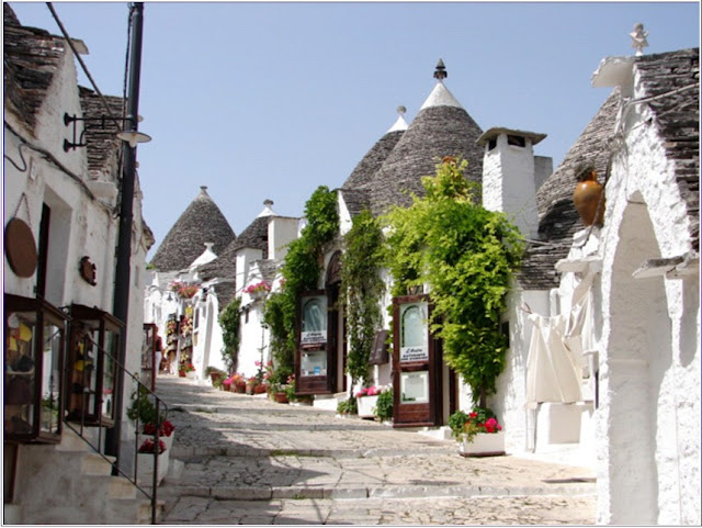 beautiful street in alberobello