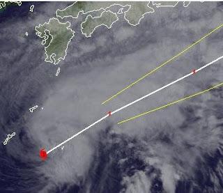 Taifun MAWAR (AMBO) nähert sich Japan, Taifun Typhoon, Taifunsaison 2012, Japan, aktuell, Satellitenbild Satellitenbilder, Juni, 2012, Sturmwarnung, Mawar, Ambo,