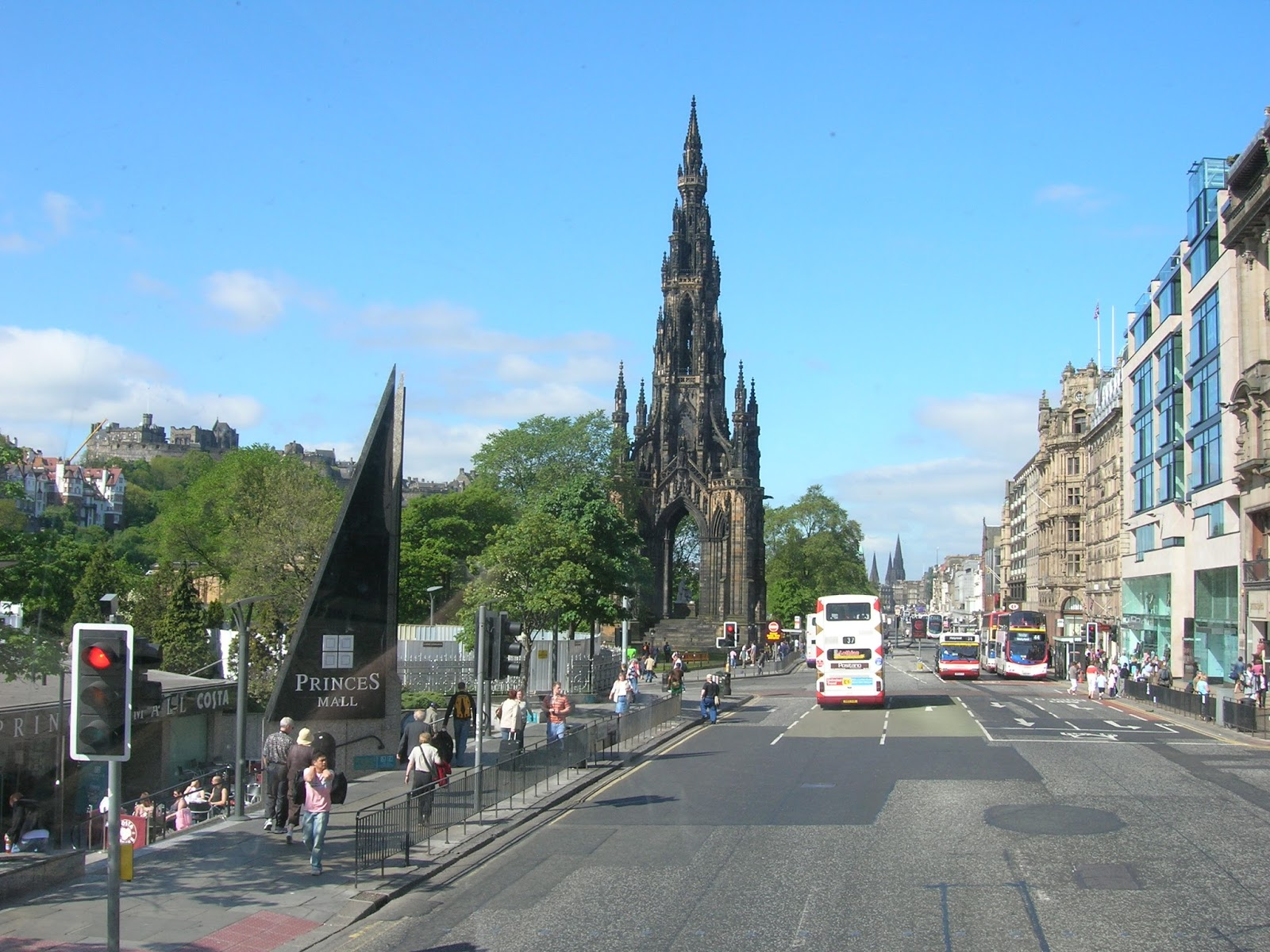 things to do in Edinburgh, shopping in Edinburgh, where to stay in Edinburgh