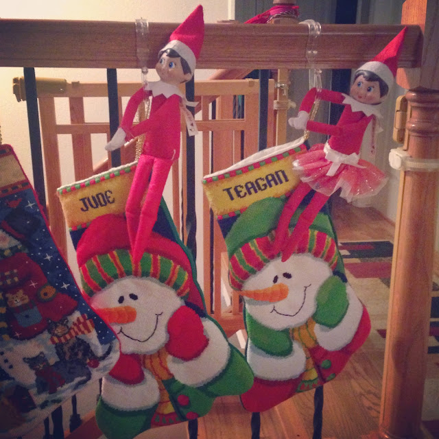 Elf on the shelf, easy elf on the shelf ideas, elf on the shelf ideas for toddlers, elf on the shelf calendars, elf on the shelf ideas, creative elf on the shelf ideas, EOTS, EOTS2015, elfontheshelf