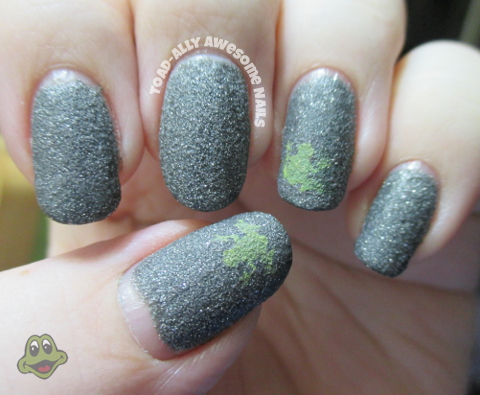 Zoya.London.stamped.frog.VL012.Sinful.Colors.Innocent.