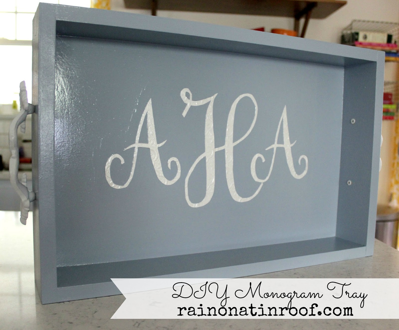 Diy monogram tray a great gift idea for Diy monogram gifts