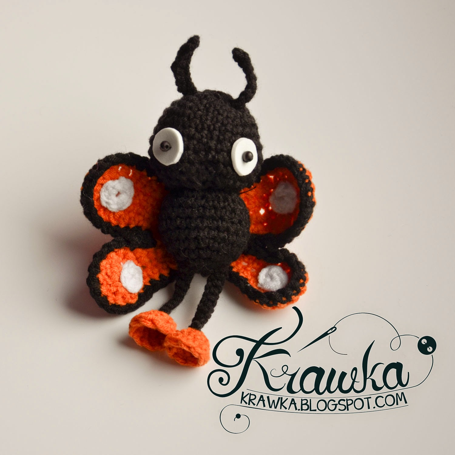 Krawka: Potted plant decoration - Monarch butterfly free crochet pattern