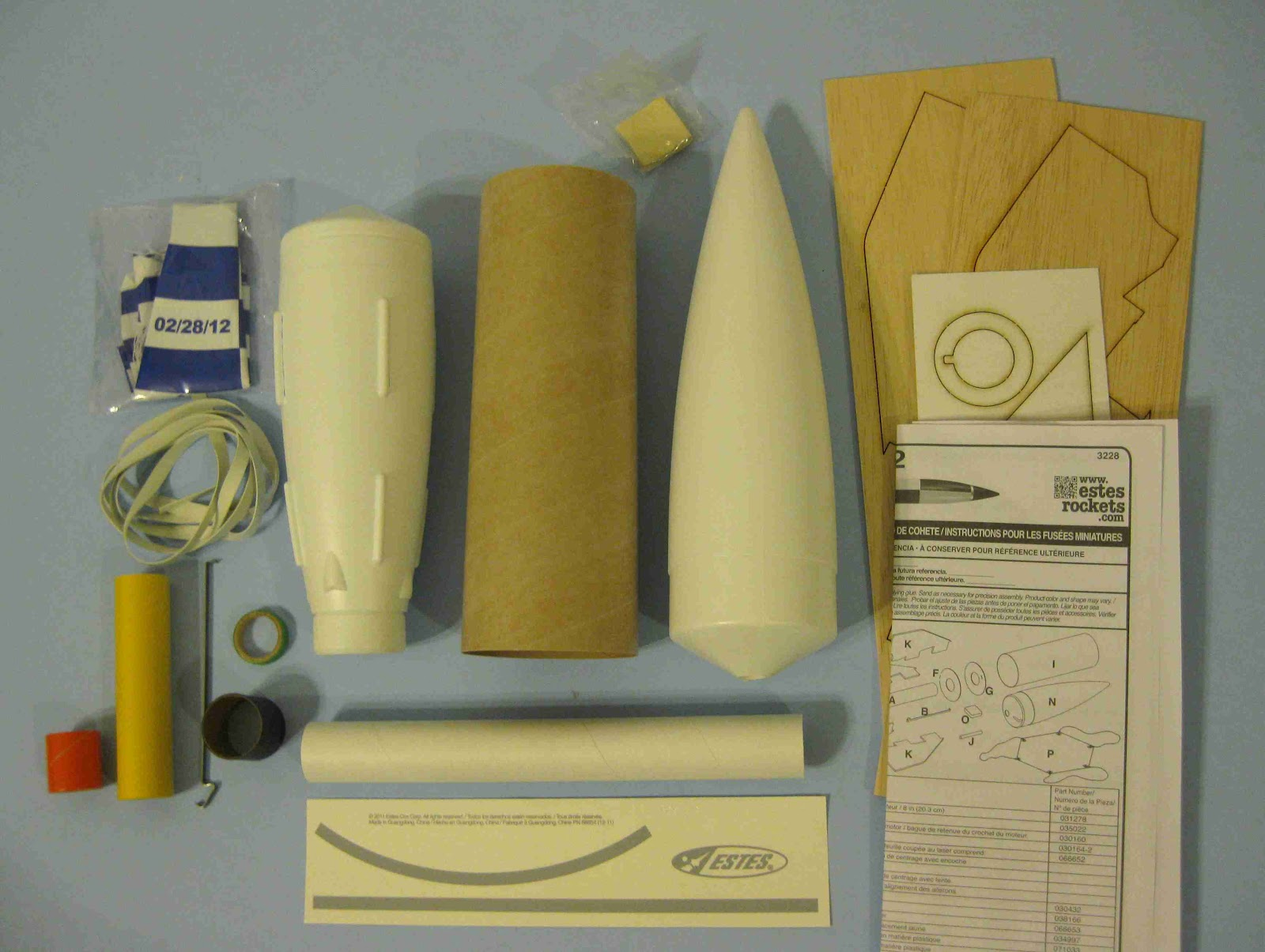 Estes Flying Model Rocket Kit V2   3228