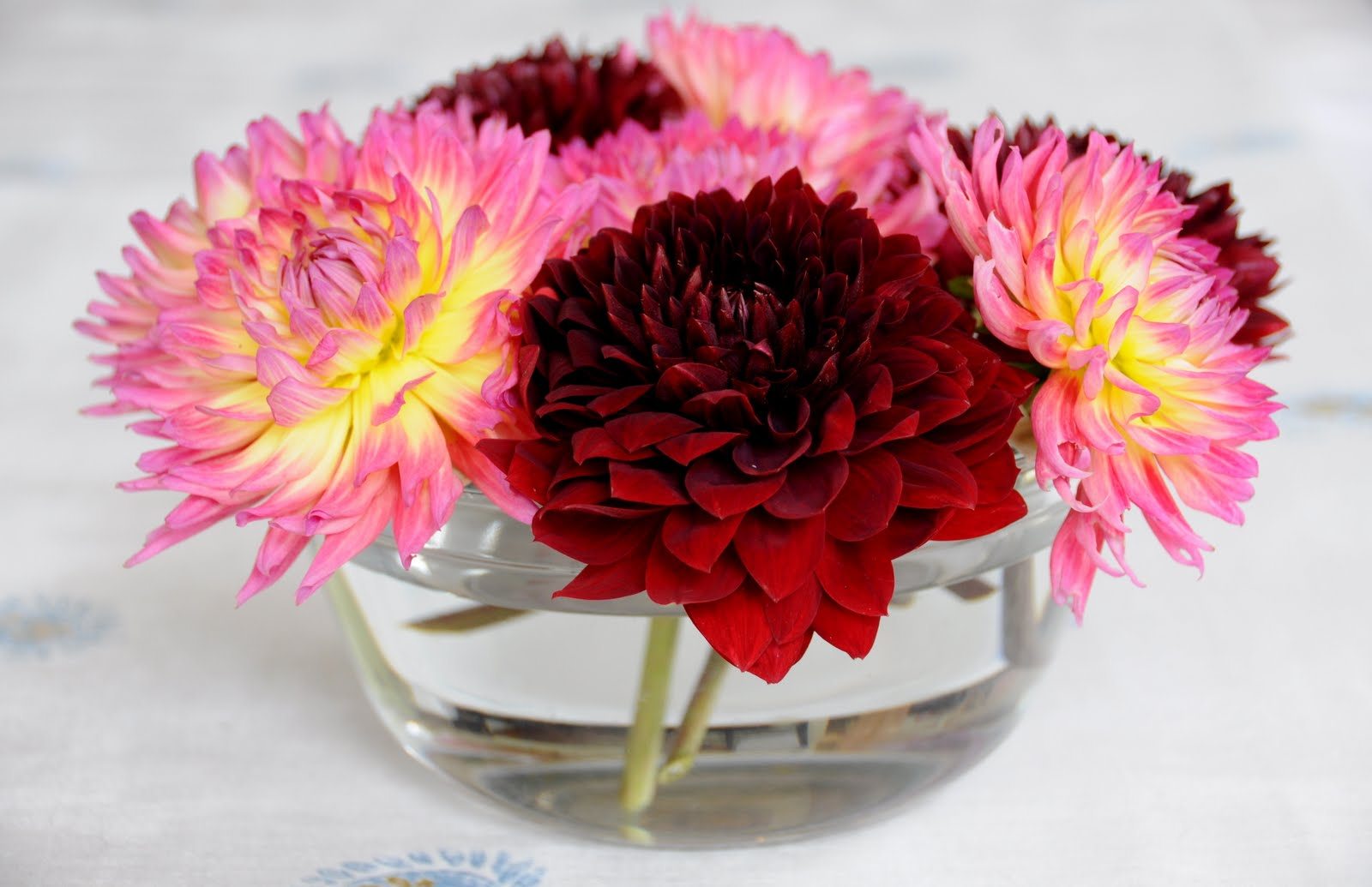 Dahlia flower arrangements wedding gallery deliciously organized easy flower arranging trick aka fl frog izmirmasajfo