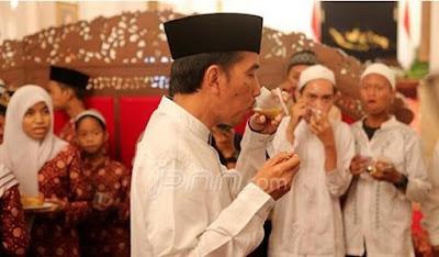 Jokowi buka puasa bersama anak yatim di istana