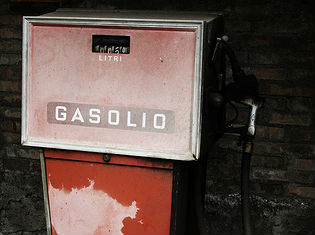 Italia Benzina più cara d'Europa