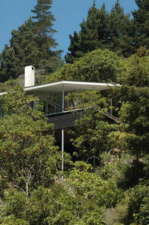 Apple Bay Unique House Design by Parsonson Architects ltd