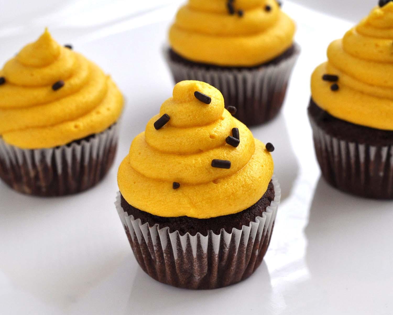 Beki Cook's Cake Blog: Leftover Royal Icing as Buttercream