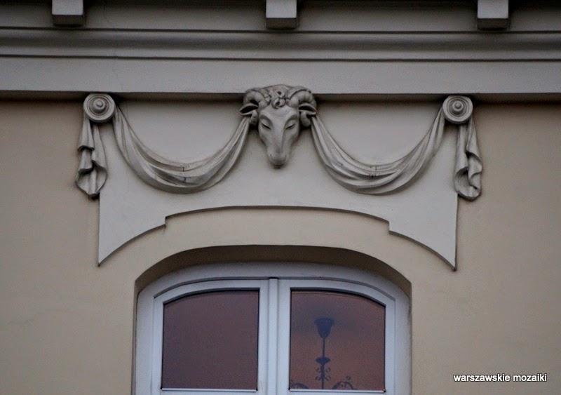Warszawa Śródmieście kamienice Jakub Fontana Soliarności 105 Szymon Bogumił Zug okno