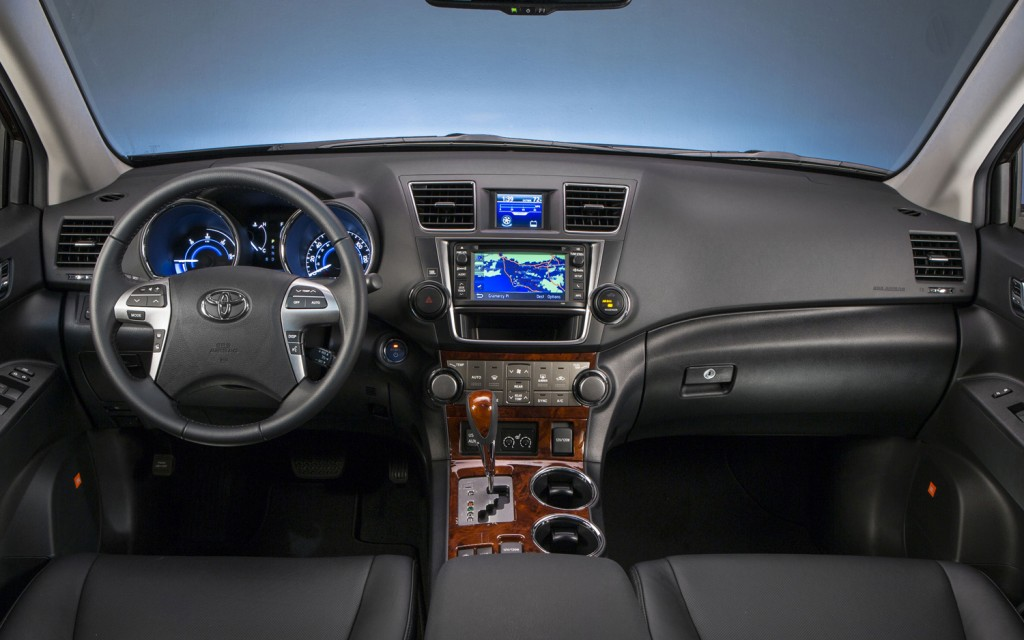 New car review 2013 toyota highlander - Toyota highlander hybrid interior ...