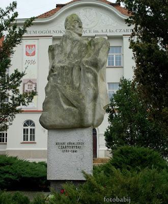 http://fotobabij.blogspot.com/2016/01/ksiaze-adam-jerzy-czartoryski-pomnik-na.html