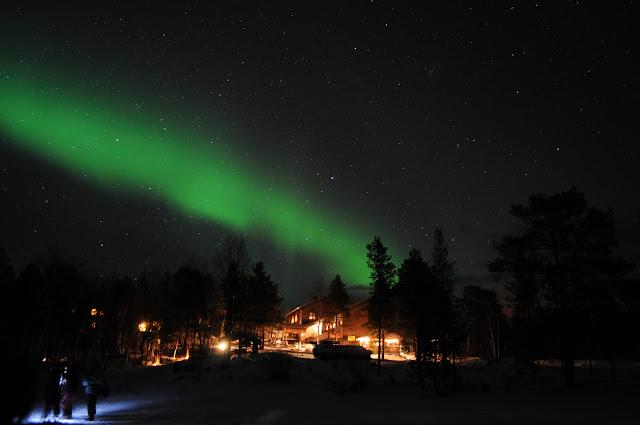 Alla scoperta dell 39 aurora boreale lapponia le foto del for Aurora boreale sfondo