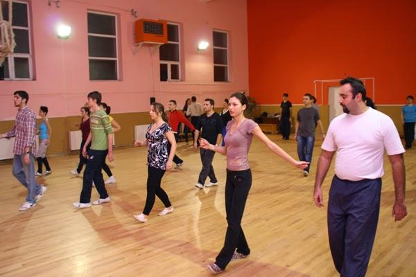 cursurile de dans pentru adulti