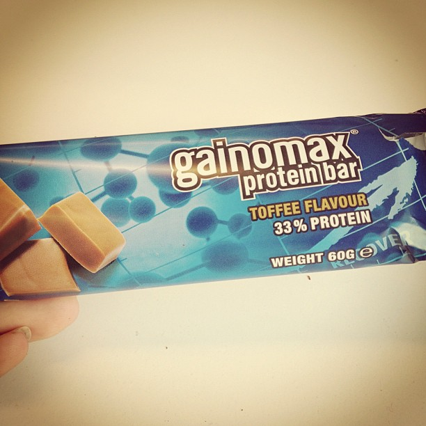 gainomax protein bar toffee flavour