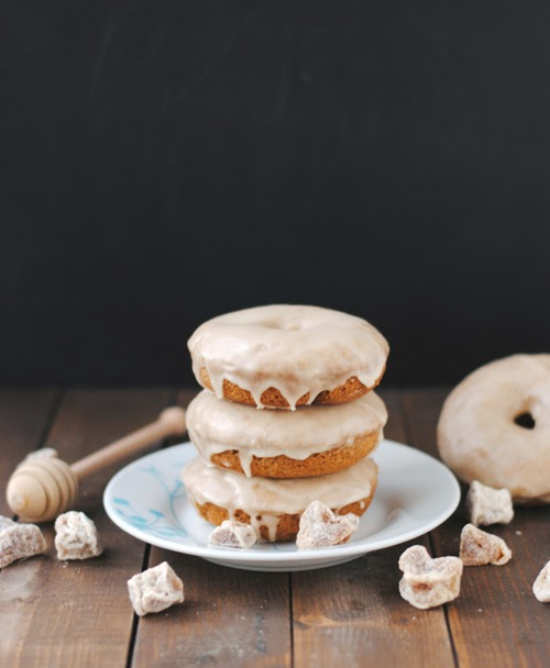 Leanne bakes: Vegan Gingerbread Doughnuts with Maple Ginger Glaze