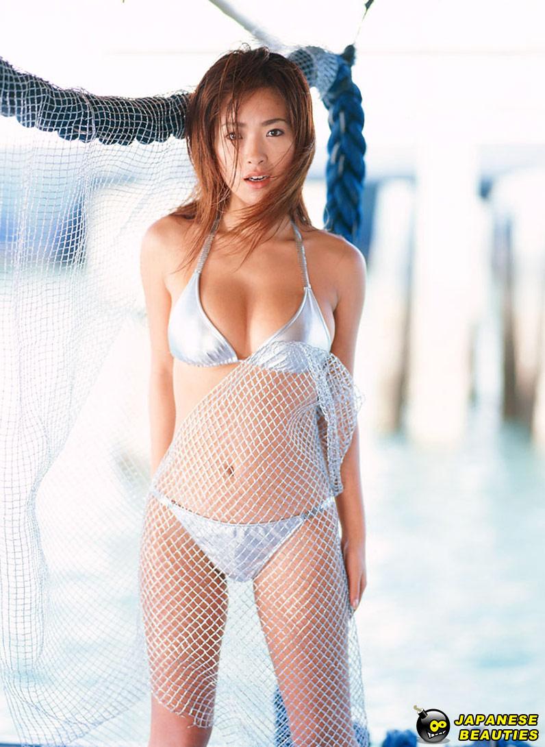 Foto Siva Aprilia di Kolam Renang - Model Sexy Indonesia
