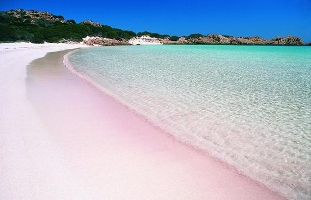 من أروع الشواطئ في العالم على خورة فقط ! pinksand.png