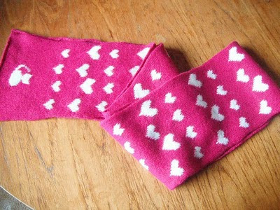 finished kitty + hearts scarf