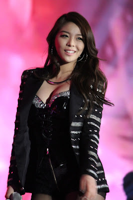 Ailee Korean Singer Sexy Diva Boobs