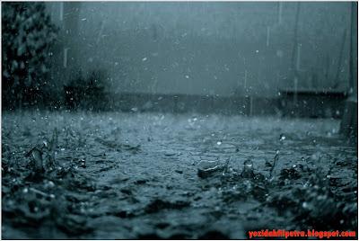 puisi-hujan-kapanlagi