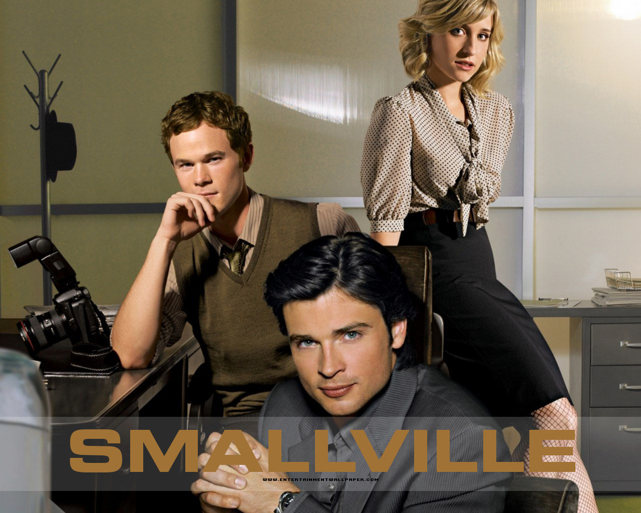 http://2.bp.blogspot.com/-z5Kv9ctyfVA/Tc7AJH1CwPI/AAAAAAAAACo/NQMjMOme1yE/s1600/1249022207_1280x1024_smallville-wallpapers-for-pc.jpg