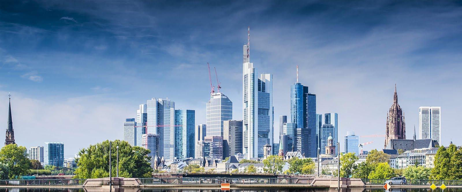"""""""ΤΗΕ ΥΕLLOW JOURNAL"""": Leben in Frankfurt am Main in Deutschland!..."""