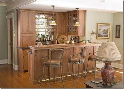 Varios dise os de bar dentro de la casa decorando mejor for Bar casero de madera