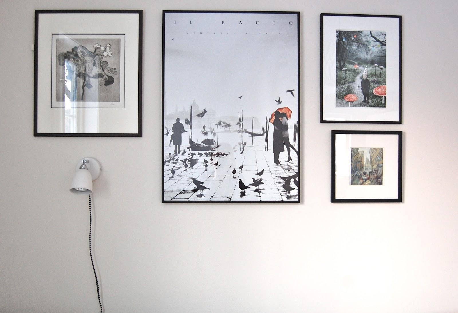 bilder på veggen interiør