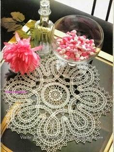 Patrón de carpeta circular con diseño hermoso crochet
