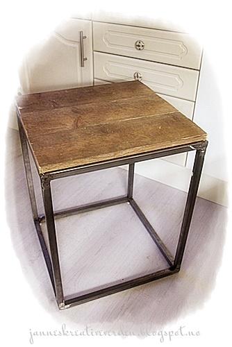 DIY- Hjørnebord/ Corner table (youtube)