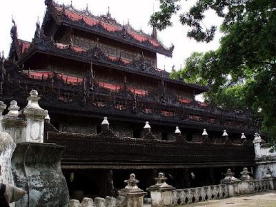 Mandalay Monasterio Shwenandaw