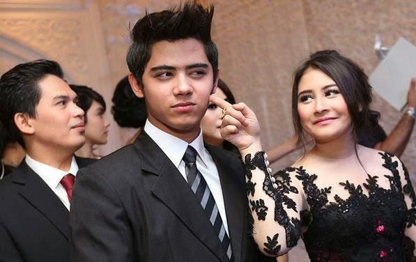 Foto Mesra Aliando dan Prilly 9