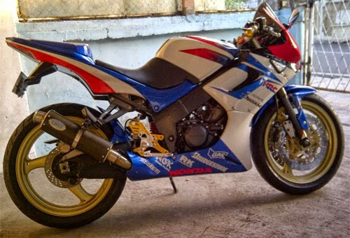 Full Modifikasi CBR150R, Pabrikan Honda