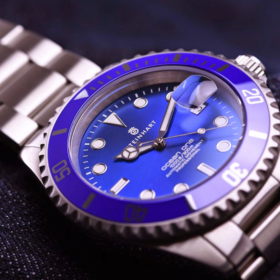 Blue dial dive watches can you see the 4 - Oceanic dive watch ...