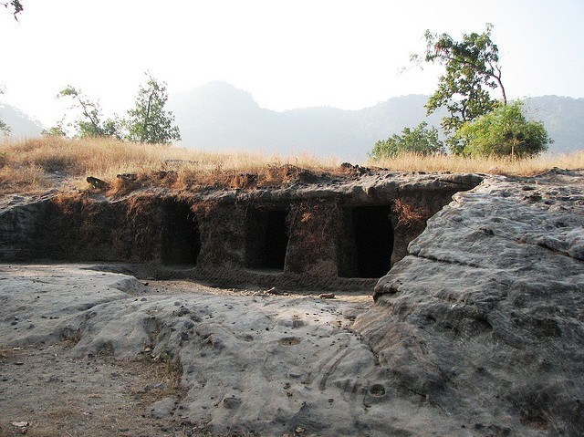 Caves-in-Bandhavgarh-National-Park