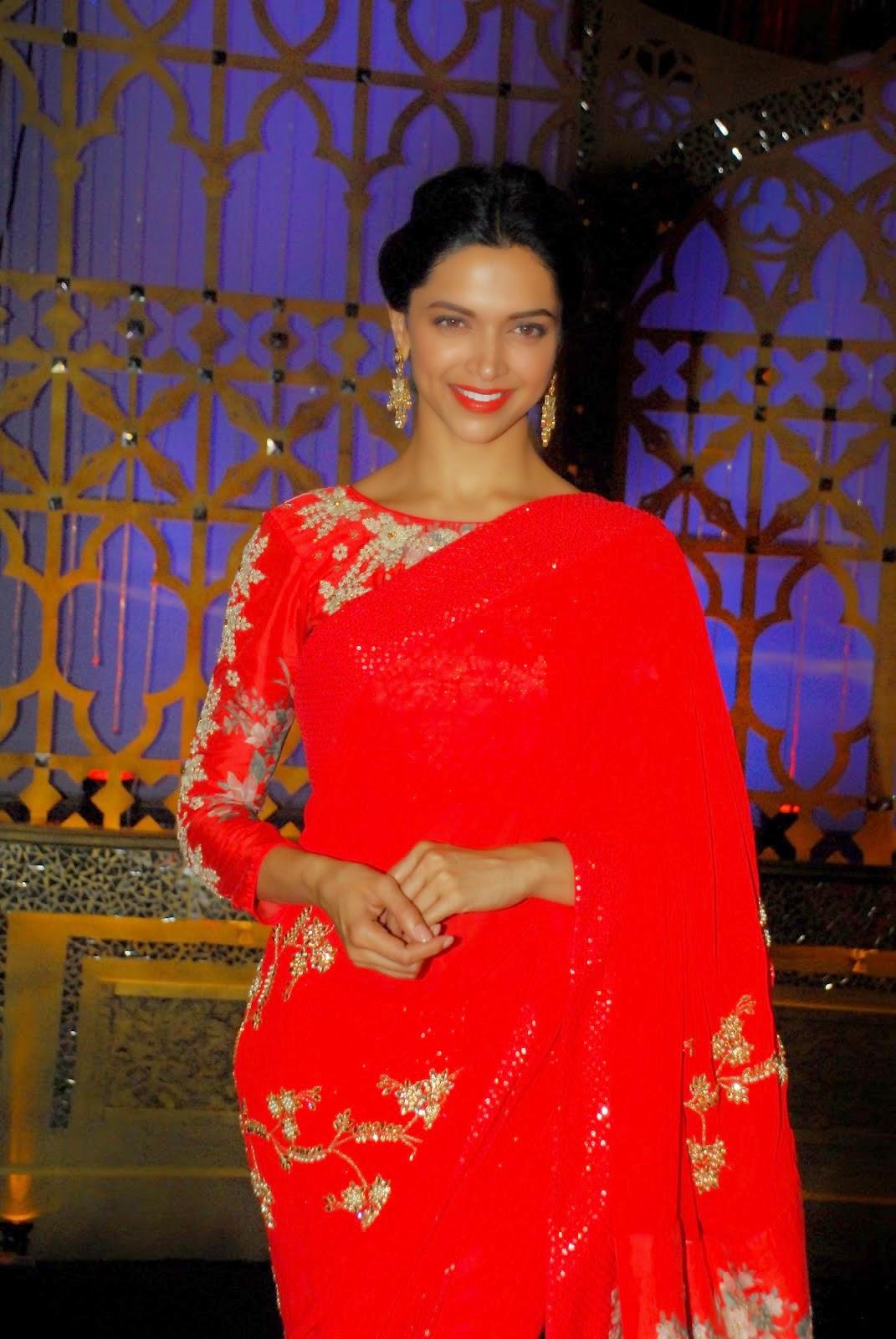 cinema: Deepika Padukone Hot Stills In Red Saree