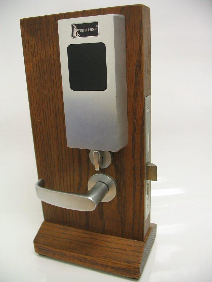 Blocked Access Door Key : Card access control hid user network media