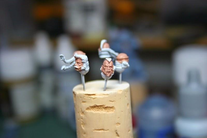 Pintura de las caras con Tallarn Flesh