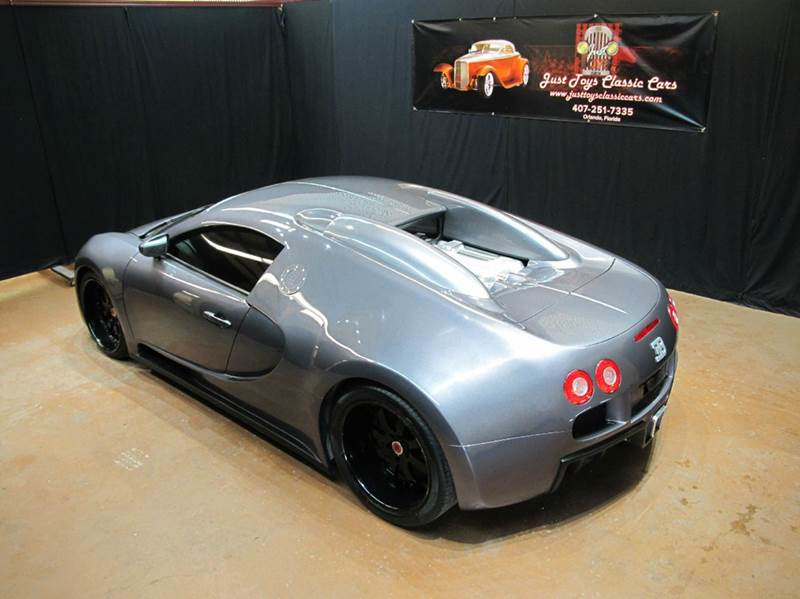 fool your friends with this 82 000 bugatti veyron. Black Bedroom Furniture Sets. Home Design Ideas