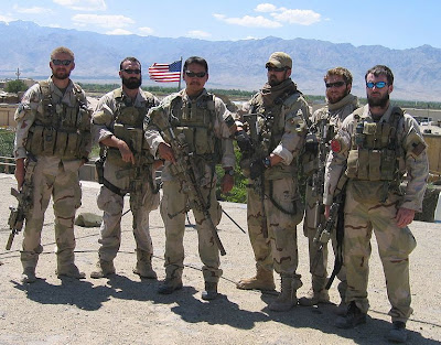 Зеленые Береты (США) 767px-Navy_SEALs_in_Afghanistan_prior_to_Red_Wing