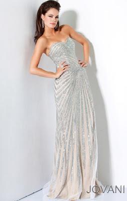 İşlemeli Gece Elbise Modelleri