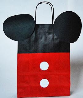http://hazloencasa.es/2013/01/18/bolsa-de-mickey-mouse/