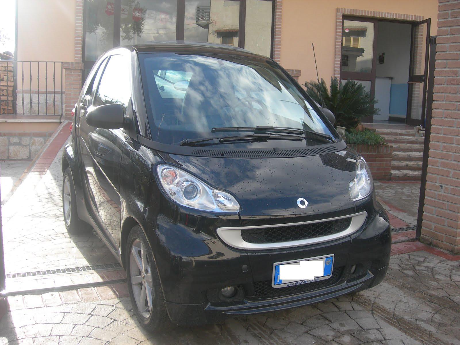 Smart 1.0 benz anno 2007 colore Nera modello Passion Prezzo 4.500,00 euro