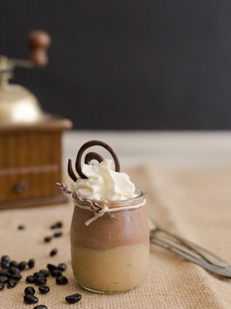 Crema de café con mousse de chocolate