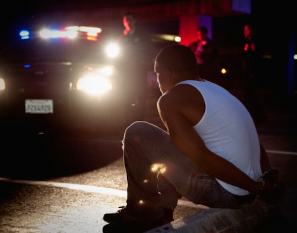 Cuatro MENORES violan mujer en Santiago