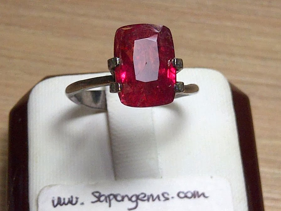 5,21ct UNHEATED PADPARADSCHA SAPPHIRE TOP COLOR only IDR 20 MIO